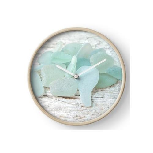 Sea Foam Sea Glass hell und blass Uhr