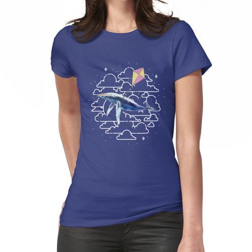 Wal-fliegender Drachen im Himmel Frauen T-Shirt