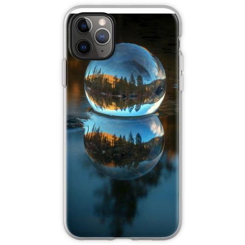 Lichtbrechung und Reflexion Treffen Castle Lake in einer Krista Flexible Hülle für iPhone 11 Pro Max