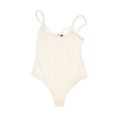 Boohoo Bodysuit: White Tops - Si...