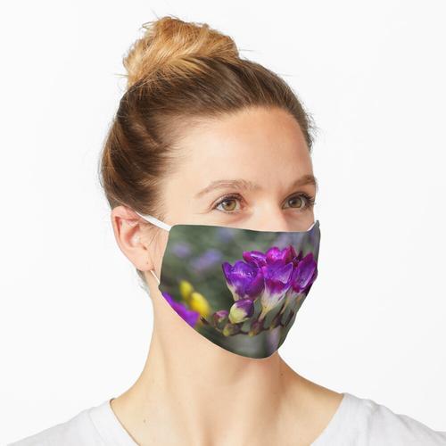 Lila Freesien Maske
