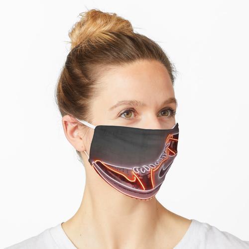 Turnschuhe Maske