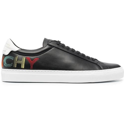 Givenchy Sneakers mit umgedrehtem Logo