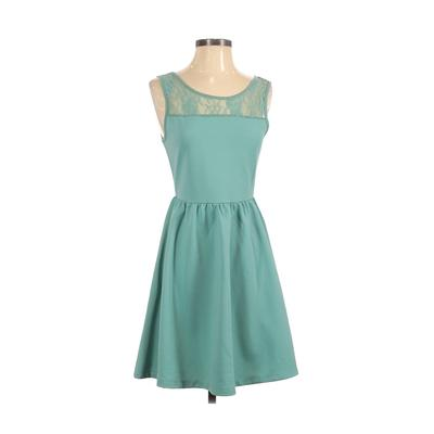 MJ Designer Paris Casual Dress - A-Line: Green Solid Dresses - Used - Size Small