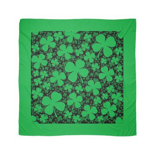 Ein Kleeblattfeld für den St. Patrick's Day Tuch