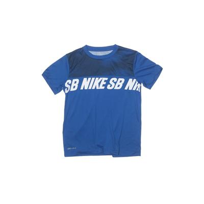 Nike Active T-Shirt: Blue Solid Sporting & Activewear - Size Medium