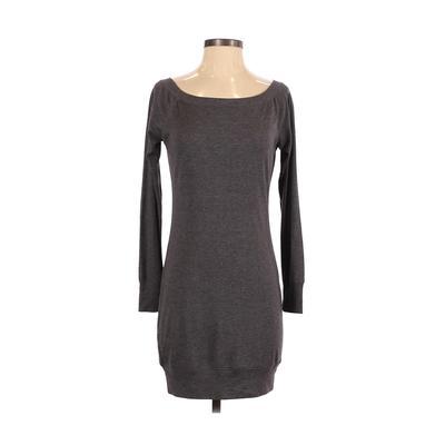 Bella - Bella Casual Dress - Sweater Dress: Gray Solid Dresses - Used - Size Medium
