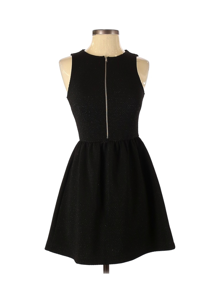 Everly Casual Dress - Fit & Flare: Black Dresses - Used - Size Small